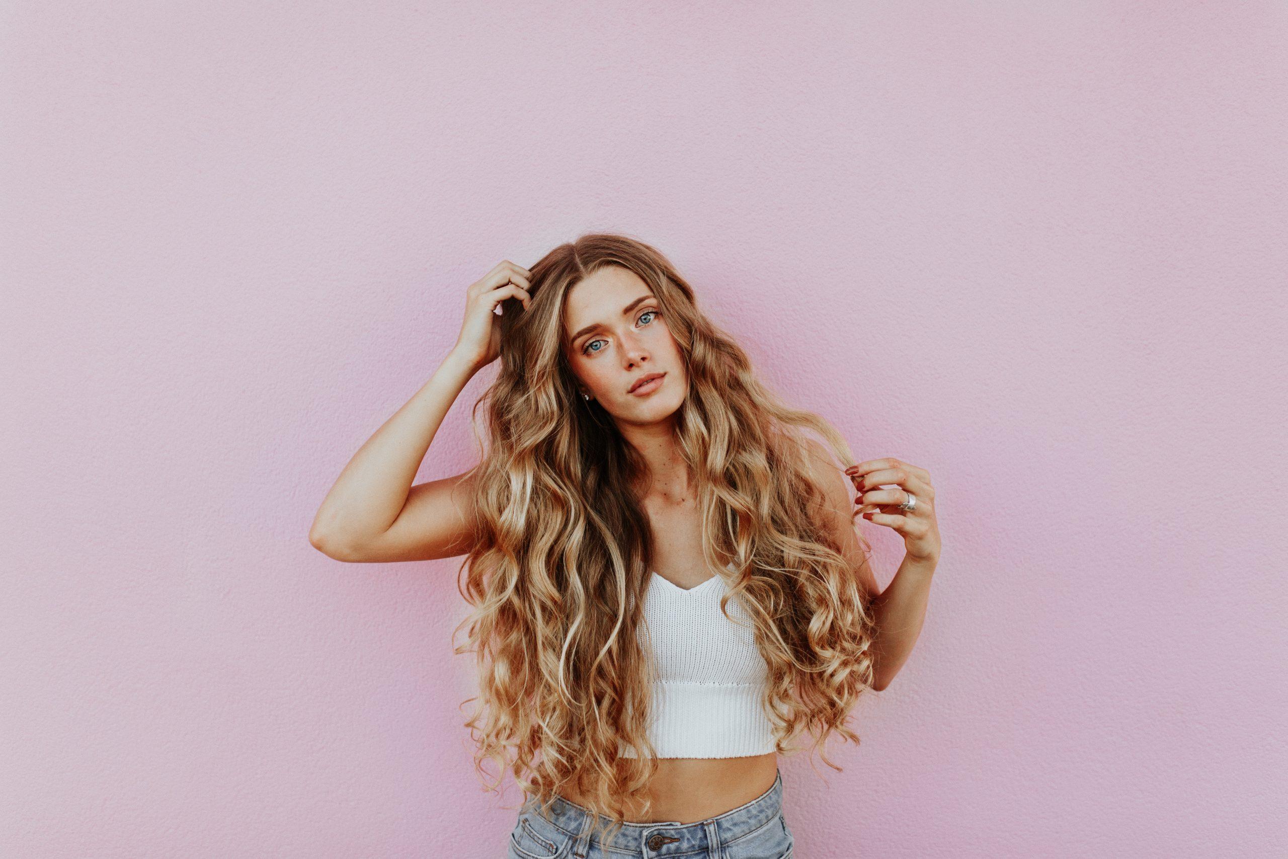 15 semplici modi per far crescere i capelli più a lungo, più velocemente, secondo gli esperti